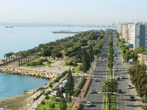 taxi to limassol